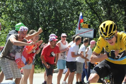 cycling chris froome yellow climb