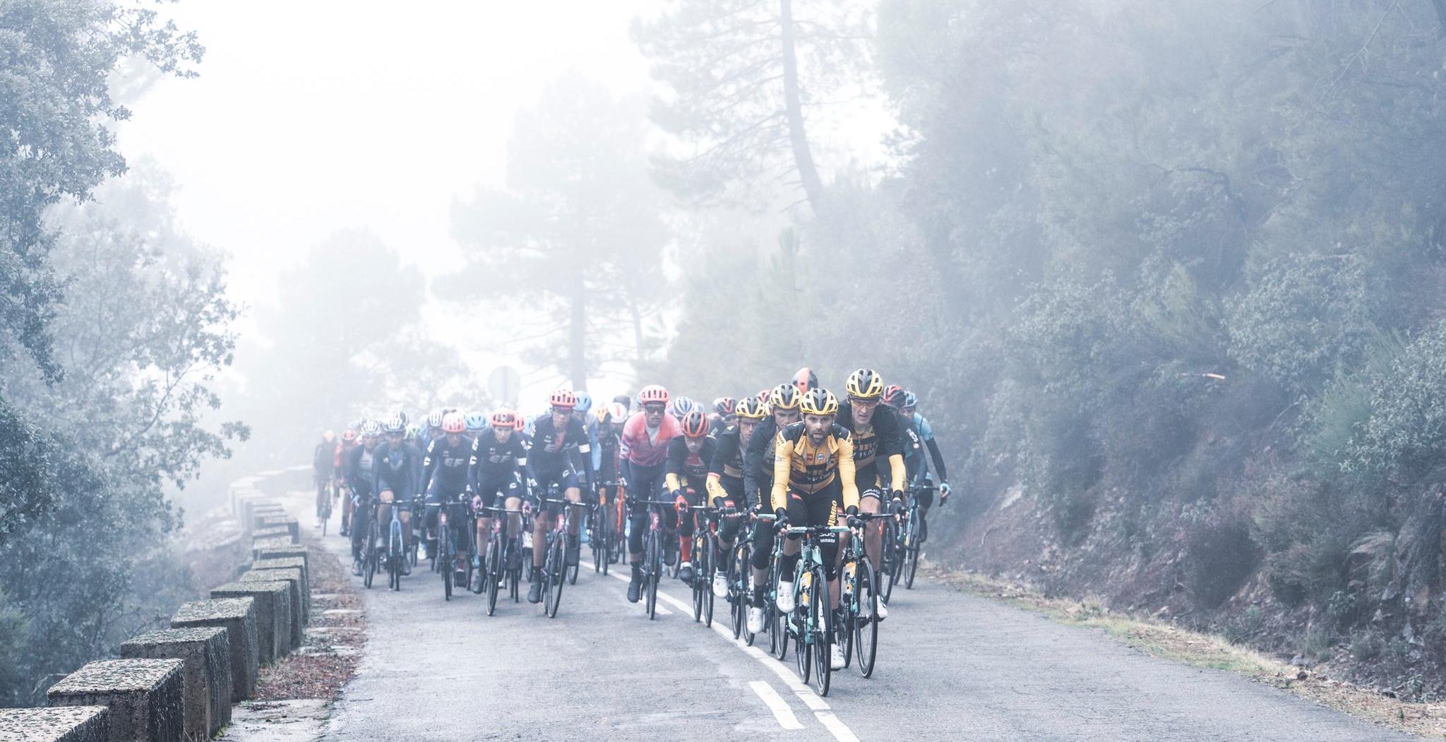 feat cycling vuelta 2020 peloton mist
