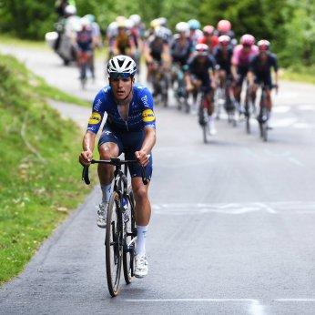 cycling giro 2021 almeida peloton