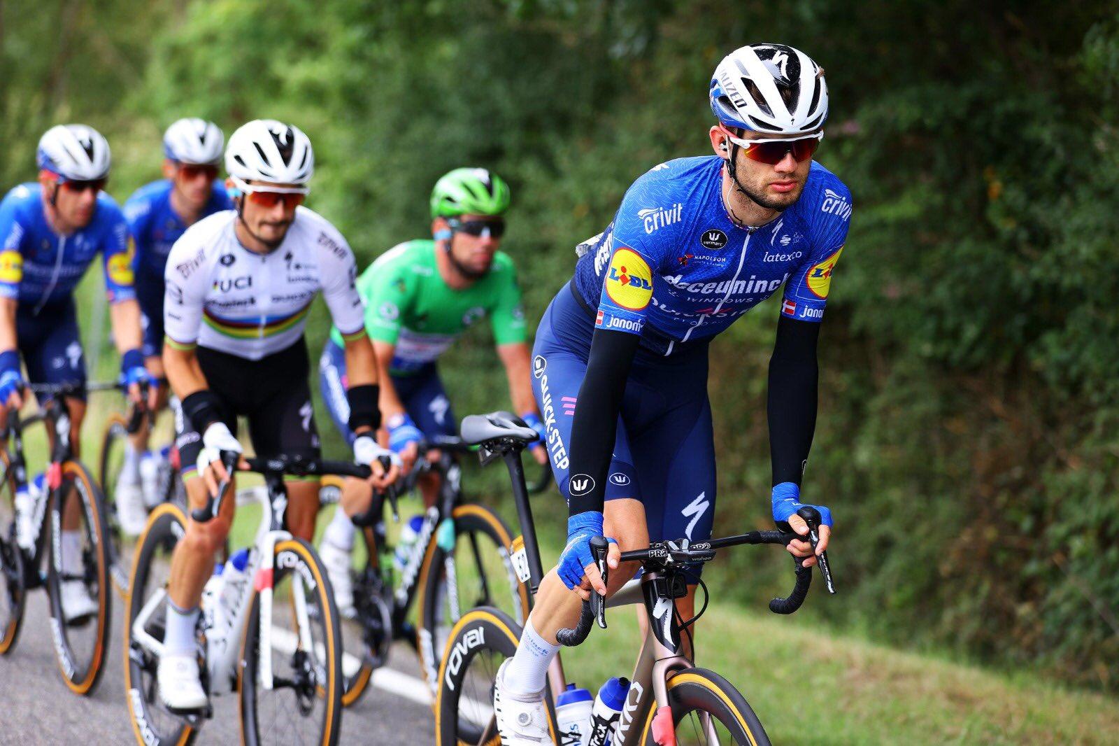 cycling tour de france 2021 mark cavendish julian alaphilippe deceuninck-quickstep team