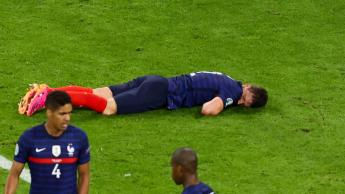 football benjamin pavard france unconscious